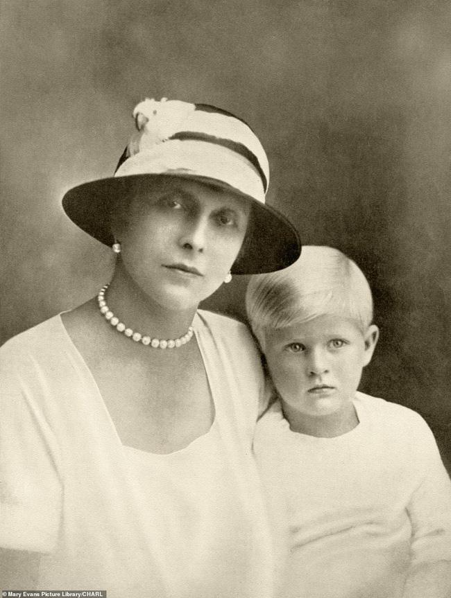 Chuyện ít biết về mẹ ruột Hoàng tế Philip: Bị câm điếc bẩm sinh, phát bệnh tâm thần vì lý do bí ẩn và cái chết thanh thản trong cung điện-5