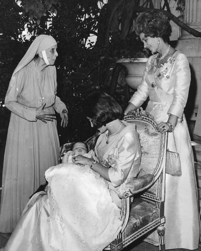 Chuyện ít biết về mẹ ruột Hoàng tế Philip: Bị câm điếc bẩm sinh, phát bệnh tâm thần vì lý do bí ẩn và cái chết thanh thản trong cung điện-6