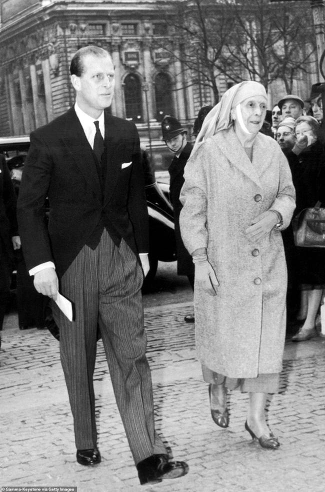 Chuyện ít biết về mẹ ruột Hoàng tế Philip: Bị câm điếc bẩm sinh, phát bệnh tâm thần vì lý do bí ẩn và cái chết thanh thản trong cung điện-7