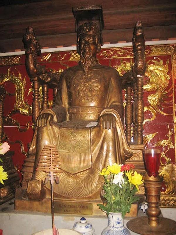 Nữ hoàng đế duy nhất của Việt Nam và chuyện tình bi kịch: Phải nhường ngôi cho chồng khi 7 tuổi, không thể sinh con nên chồng cưới chị dâu đang mang thai làm Hậu!-5