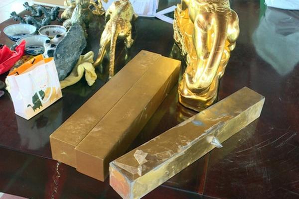 Bí ẩn thần y kiêm nhà ngoại cảm chỉ cần uống nước dừa, ngửi hoa để sống (Kỳ 2): Căn hầm chứa hàng chục tấn vàng và bộ mặt thật của người đàn bà gian xảo-5
