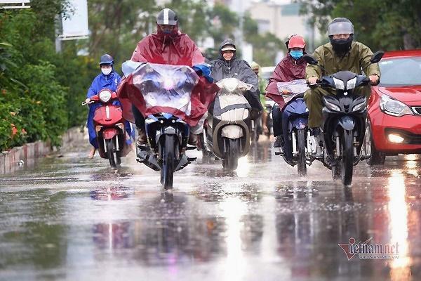 Dự báo thời tiết 18/4: Cả nước mưa giông sầm sập, nguy cơ lốc, sét-1