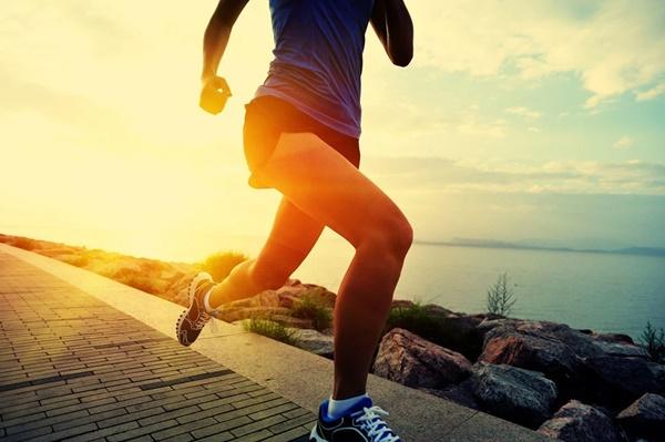 Cùng có thói quen đi bộ mỗi ngày, tại sao có người sống thọ tới 90 tuổi, có người lại rước thêm bệnh? Hóa ra phụ thuộc 4 thói quen này-3
