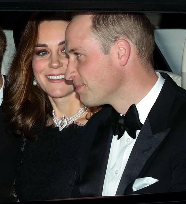 Xem trang phục của Kate Middleton trong tang lễ Hoàng tế Philip, để thấy cô được lòng Nữ hoàng Anh như thế nào-3