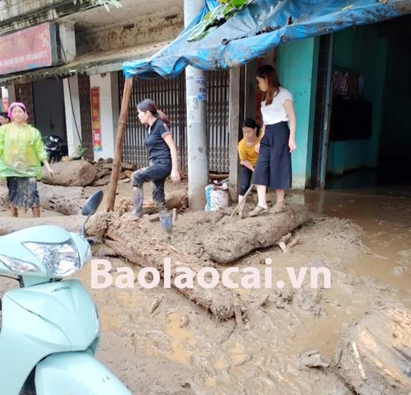 Lũ ống kinh hoàng làm 3 người tử vong ở Lào Cai: Cả nhà đang ngủ say giấc thì thấy mặt đất rung chuyển-2