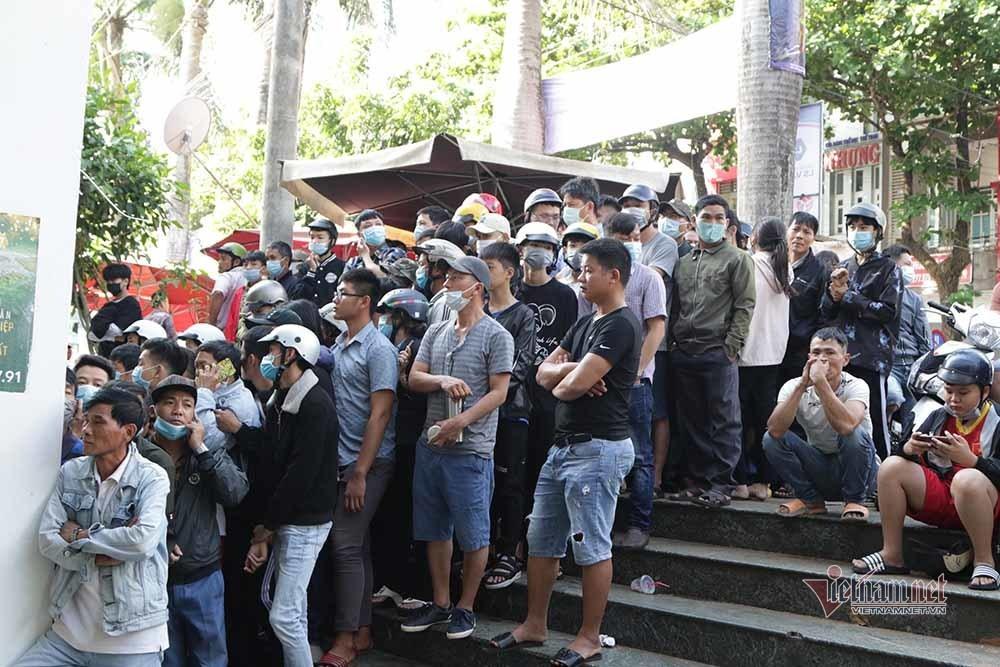 Vé xem Công Phượng đấu Quang Hải: Cháy và giá tăng không tưởng-1