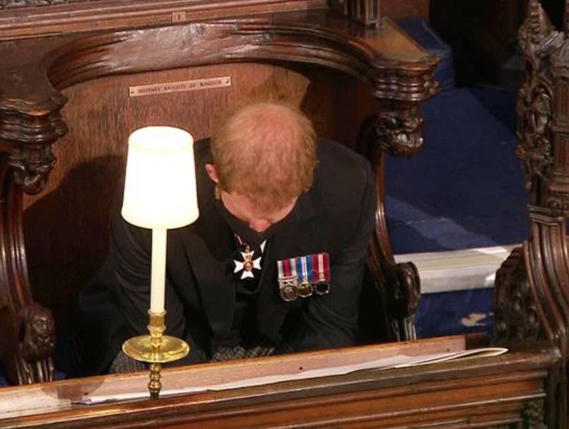 Đằng sau khoảnh khắc trò chuyện thoải mái với anh trai là nỗi bồn chồn, sự cô độc không thể chia sẻ cùng ai của Hoàng tử Harry-4