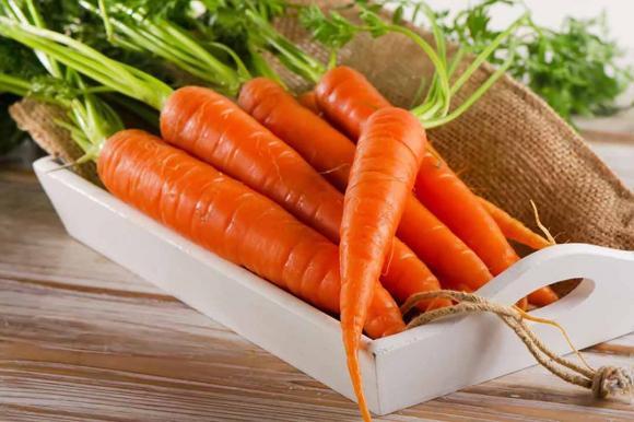 Trong vòng 1 giờ ăn cà chua nhớ đừng đụng đến 3 loại thực phẩm, nhiều người thường không để ý-3