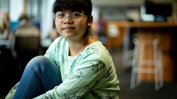 Thần đồng gốc Việt 13 tuổi đã học 2 chuyên ngành ĐH có nguy cơ bị trục xuất vì... quá thông minh: Tại sao lại như vậy?-2