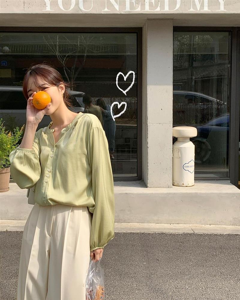 Muốn style công sở bớt nhạt, gái Hàn khuyên bạn nên thêm 4 màu sắc này vào tủ đồ-5