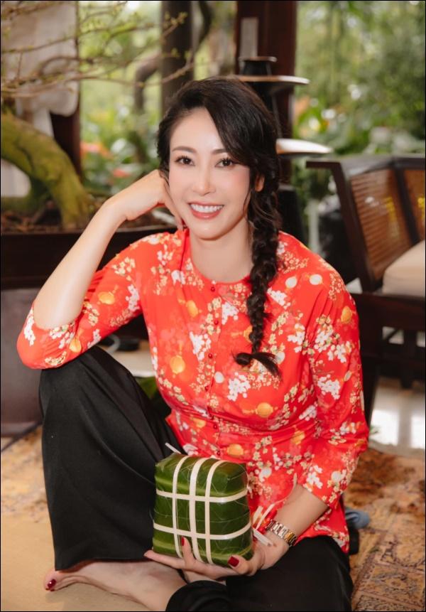 Nhà có 5 giúp việc mà Hoa hậu Hà Kiều Anh vẫn đảm đang khó ai bì kịp, tự tay làm bún ốc chuẩn vị Bắc đãi chồng con-1