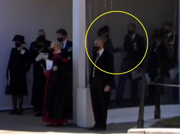 Đẳng cấp như Công nương Kate: Chỉ với loạt cử chỉ trong tang lễ Hoàng tế Philip đủ làm lu mờ chiêu trò của Meghan ở trời Mỹ-3