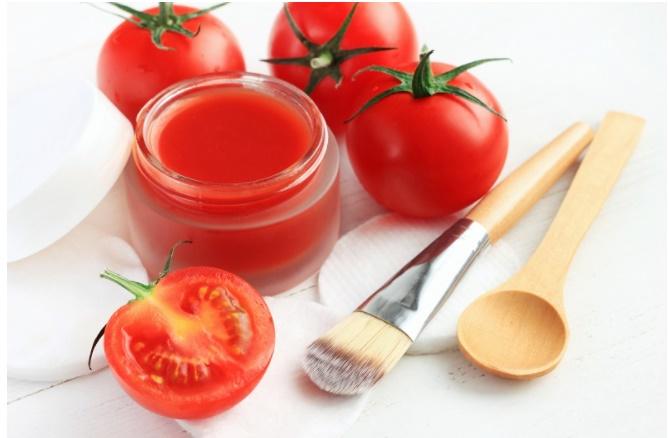 Mẹo đánh bay mùi hôi dưới cánh tay với quả cà chua-2