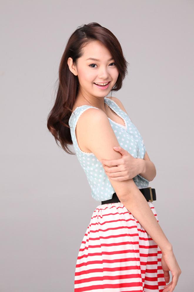 Minh Hằng ngày càng  xinh đẹp, còn được tung hô là nữ thần trên báo Trung: Hoá ra là do đang yêu?-2