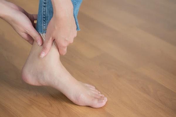 Cô gái 14 tuổi phải cắt cụt 2 chân vì ung thư xương, bác sĩ cảnh báo đây là căn bệnh nhiều người trẻ mắc phải trong độ tuổi dậy thì-2