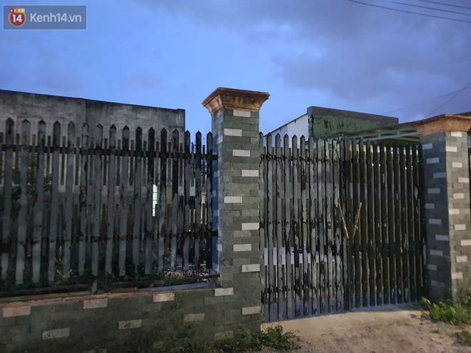 Ngôi nhà của kẻ sát hại, hiếp dâm bé gái 5 tuổi đóng kín cửa, không có người ra vào: Ổng như vậy tội cho đứa con đang đi học-2