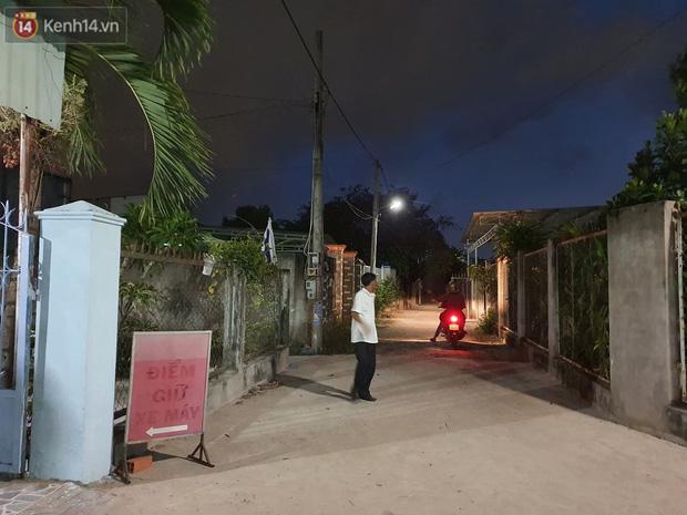 Ngôi nhà của kẻ sát hại, hiếp dâm bé gái 5 tuổi đóng kín cửa, không có người ra vào: Ổng như vậy tội cho đứa con đang đi học-4