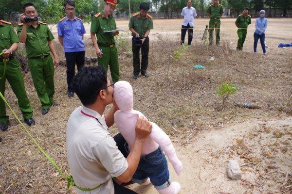 Toàn cảnh vụ bé gái 5 tuổi bị xâm hại, sát hại chấn động Bà Rịa - Vũng Tàu: Khi kẻ ác là ai đó ở rất gần-3