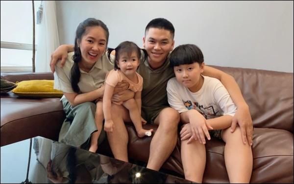 Chỉ một hành động nhỏ là đủ thấy tình thương của chồng trẻ Lê Phương dành cho Cà Pháo, cách mẹ chăm sóc con cũng thật đáng nể!-1