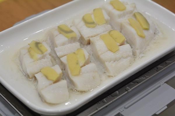 Người dùng máy tính hàng ngày nếu thường xuyên ăn loại cá này sẽ tốt hơn ăn thịt, chỉ mất 5 phút hấp là cực thơm ngon-9
