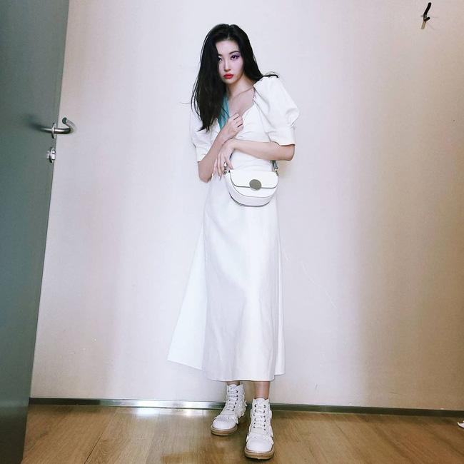 Ngắm sao Hàn diện váy trắng xinh như mộng, chị em sẽ không tiếc tiền sắm cả lố về để nâng cấp style-5