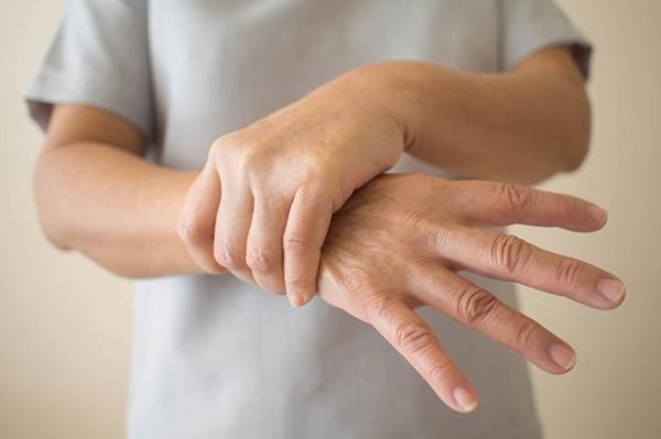 Thường xuyên cảm thấy tê râm ran, có thể là dấu hiệu của căn bệnh nguy hiểm-6