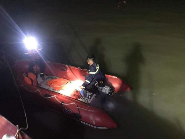 Để lại xe máy trên cầu, nam thanh niên nhảy xuống sông Lam tự vẫn-2