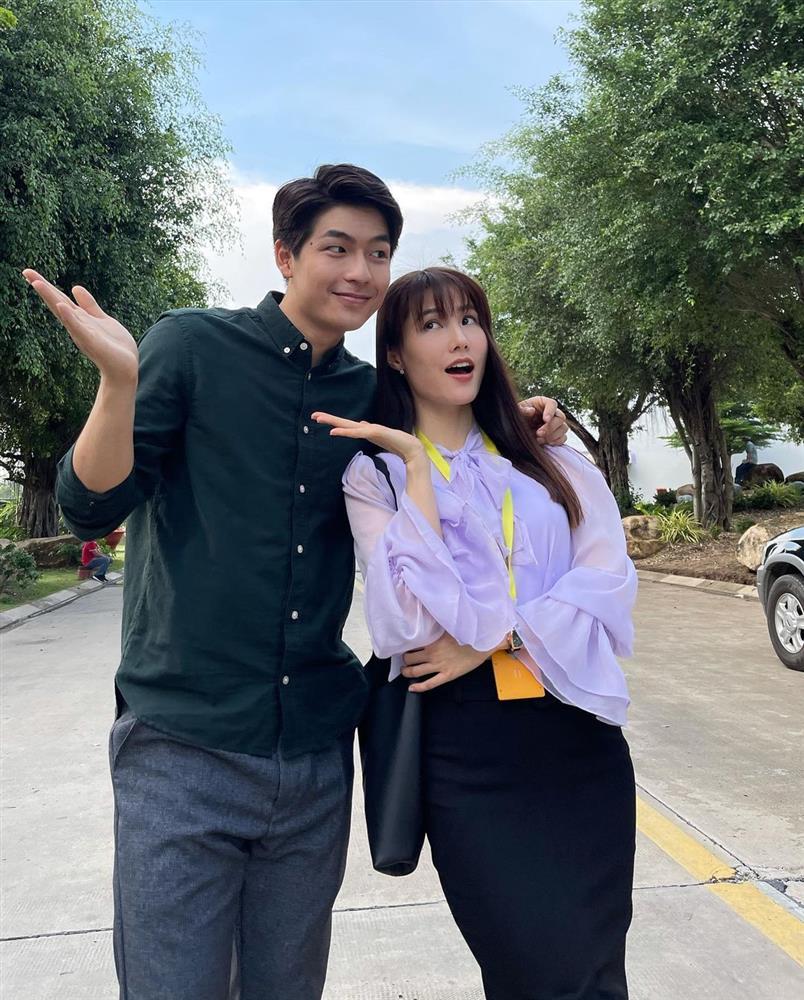 Hết Minh Hằng rồi đến Diễm My 9x khoe style công sở chuẩn sành điệu và thanh lịch trong phim mới-2