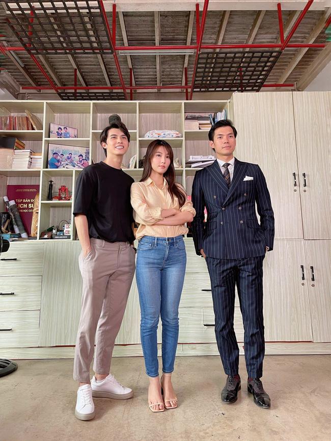 Hết Minh Hằng rồi đến Diễm My 9x khoe style công sở chuẩn sành điệu và thanh lịch trong phim mới-3