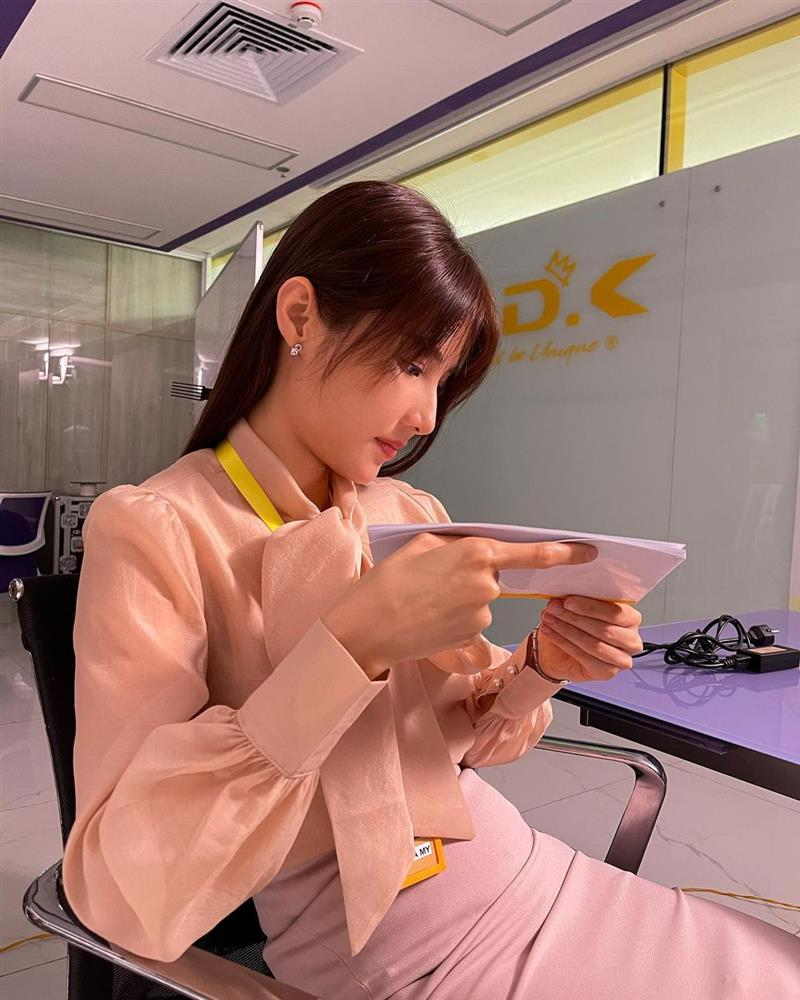 Hết Minh Hằng rồi đến Diễm My 9x khoe style công sở chuẩn sành điệu và thanh lịch trong phim mới-4