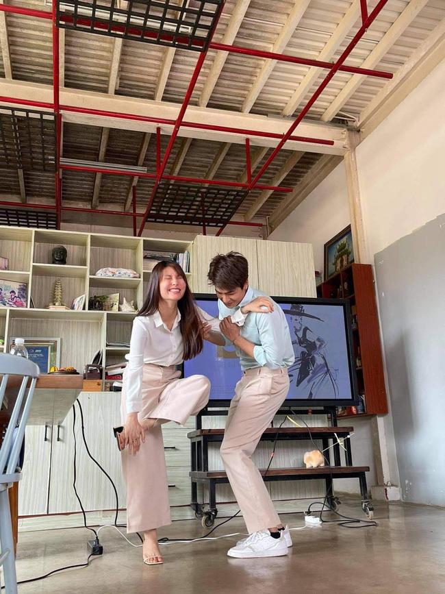 Hết Minh Hằng rồi đến Diễm My 9x khoe style công sở chuẩn sành điệu và thanh lịch trong phim mới-8