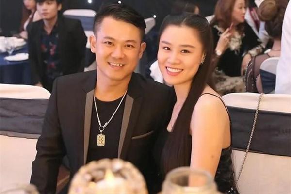 Dương Ngọc Thái hé lộ cuộc gọi với vợ cũ Vân Quang Long, bức xúc vì bị ném đá từ chuyện đôi giày đến món quà cố NS tặng con-6