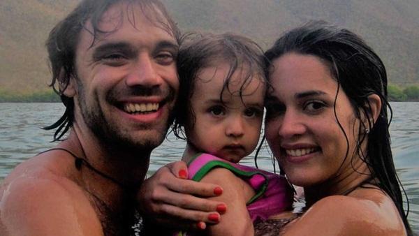 Chứng kiến cảnh cha mẹ bị giết chết, con gái nhỏ của Hoa hậu Venezuela may mắn sống sót có cuộc sống gây kinh ngạc sau 7 năm-4
