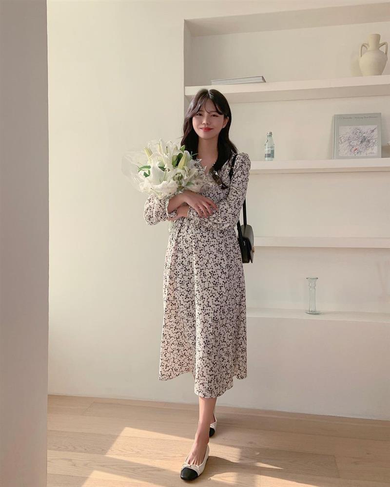 10 công thức diện váy hoa xinh mê tơi từ hội gái Hàn, phải lưu ngay để Hè này còn áp dụng-1