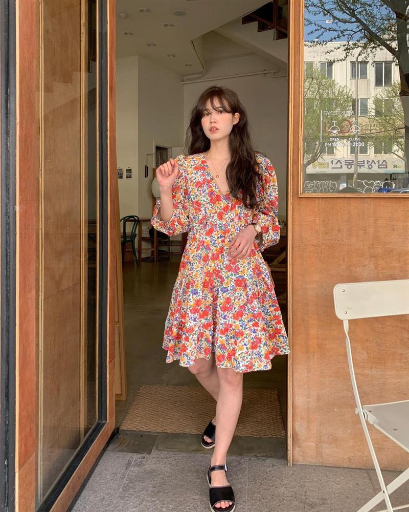 10 công thức diện váy hoa xinh mê tơi từ hội gái Hàn, phải lưu ngay để Hè này còn áp dụng-10