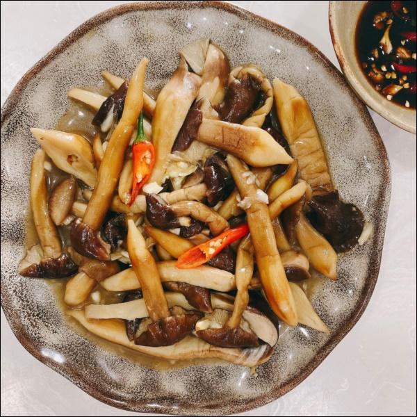 Nấu đồ ăn chay siêu đỉnh như Elly Trần, món nào cũng đầy màu sắc hấp dẫn nhưng vẫn đảm bảo thanh đạm miễn bàn-2