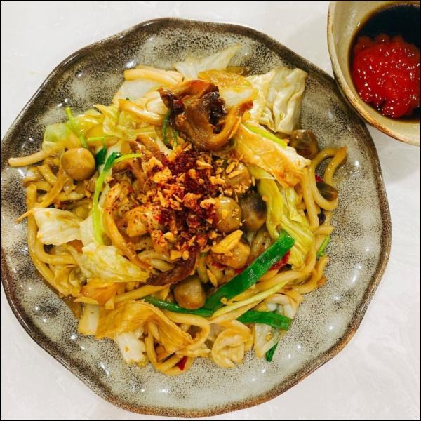 Nấu đồ ăn chay siêu đỉnh như Elly Trần, món nào cũng đầy màu sắc hấp dẫn nhưng vẫn đảm bảo thanh đạm miễn bàn-3