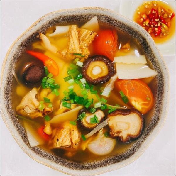 Nấu đồ ăn chay siêu đỉnh như Elly Trần, món nào cũng đầy màu sắc hấp dẫn nhưng vẫn đảm bảo thanh đạm miễn bàn-6
