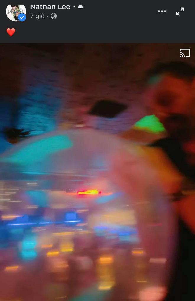 Hẹn đọ siêu xe bất thành, Nathan Lee lên bar hôn nồng nhiệt 1 cô gái ngoại quốc và còn bị nghi dự tiệc bóng cười-5