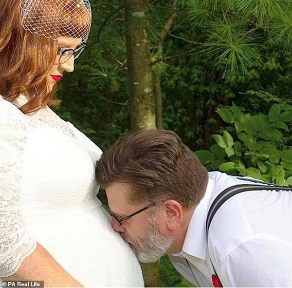 Vừa ly hôn lại được bố chồng cho mượn bờ vai, người phụ nữ xiêu lòng lập tức và cái kết ngoài sức tưởng tượng-5