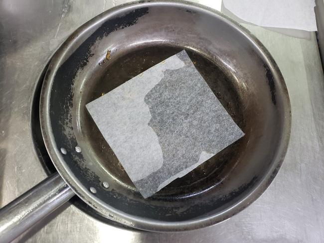 Chỉ dùng 1 tờ giấy đảm bảo 100% các món chiên rán sẽ không bị dính chảo-2