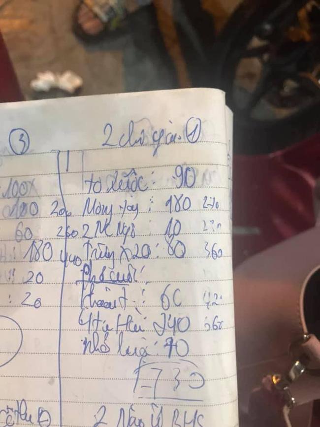 Nghỉ lễ chọn ra hồ Tây lộng gió ăn ốc lề đường, đến khi nhìn thấy hóa đơn kê giá 730k, hai cô gái tưởng đâu trúng gió sốc đến đơ người-2