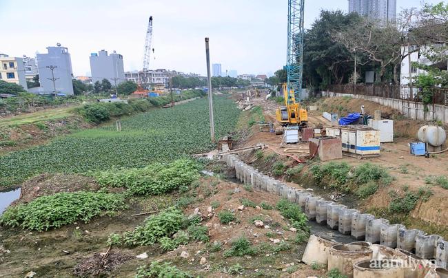 Hà Nội: Nhà rung lắc, tường nứt toác, 9 hộ dân kêu cứu-7