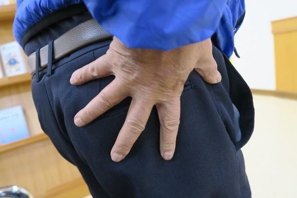 Ngỡ là đau xương khớp thông thường, người đàn ông đi khám mới biết là ung thư di căn-1