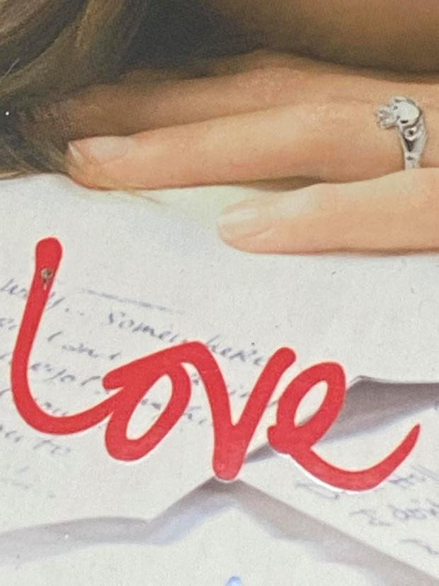 Thiều Bảo Trâm đăng một lèo 43 tấm ảnh Love ngay sau khi Sơn Tùng vừa thổ lộ yêu vào khổ lắm-4