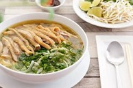 Mẹ đảm nấu phở gà tại nhà ngon hơn cả nhà hàng, ăn hoài không chán