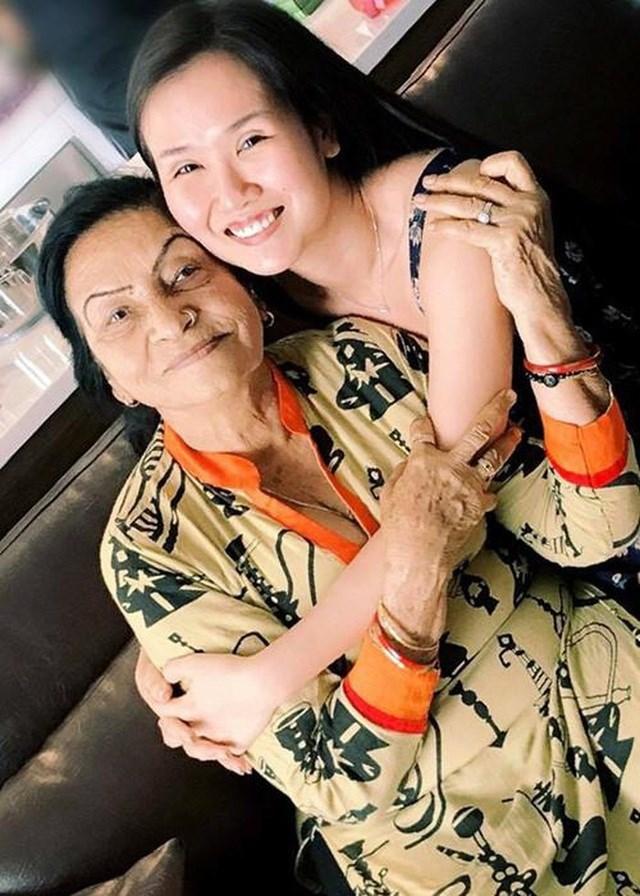 """Võ Hạ Trâm đau lòng chia sẻ cuộc sống của mẹ chồng tại quê nhà khi Covid-19 biến Ấn Độ thành địa ngục trần gian""""-2"""