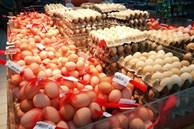 Chọn trứng hãy ghi nhớ '4 không mua 3 không ăn', sau khi tìm hiểu ai cũng gật gù vì an toàn và lành mạnh