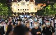 TP.HCM ra công văn KHẨN: Bắt buộc đeo khẩu trang nơi công cộng, xử phạt nghiêm người không chấp hành