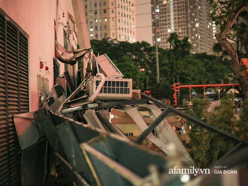 Hà Nội: Sập giàn điều hòa chung cư trong đêm, đúng vị trí sân chơi trẻ em khiến cư dân hoảng loạn-2